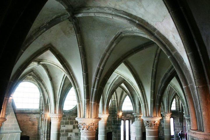 モンサンミッシェルの修道院|モンサンミッシェルとその湾 (3)