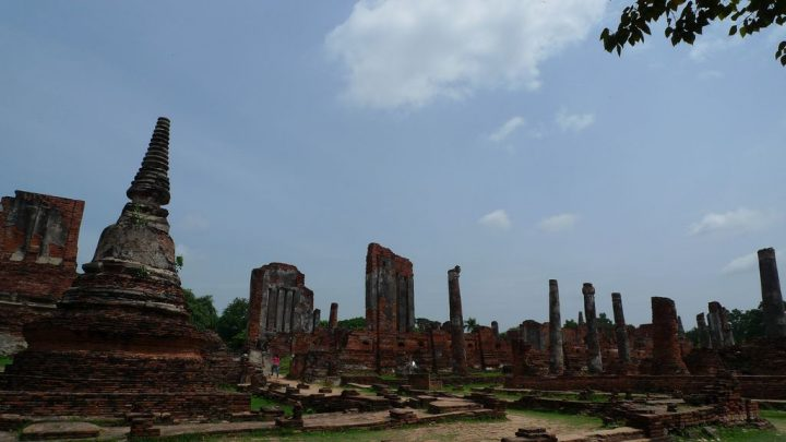 photo credit: ワット・プラ・シーサンペット Wat Phra Si Sanphet via photopin (license)
