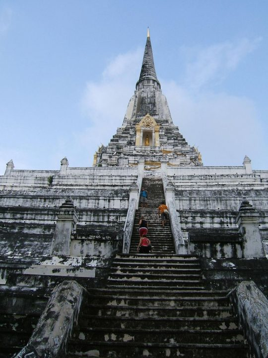 photo credit: Wat Phu Khao Thong via photopin (license)