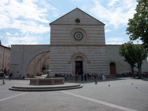アッシジ、フランチェスコ聖堂と関連修道施設群の画像 p1_10