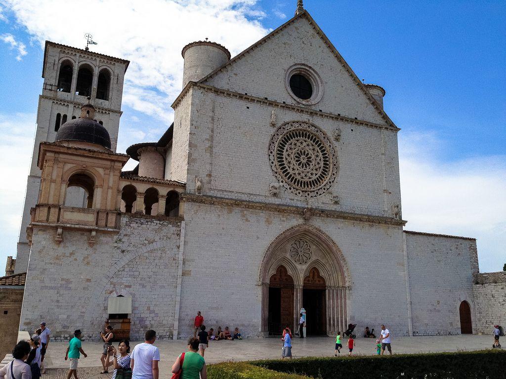 アッシジ、フランチェスコ聖堂と関連修道施設群の画像 p1_9
