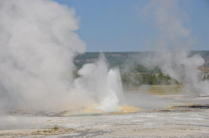 photo credit: Clepsydra Geyser in eruption (9 AM on, 5 August 2013) 19 via photopin (license)