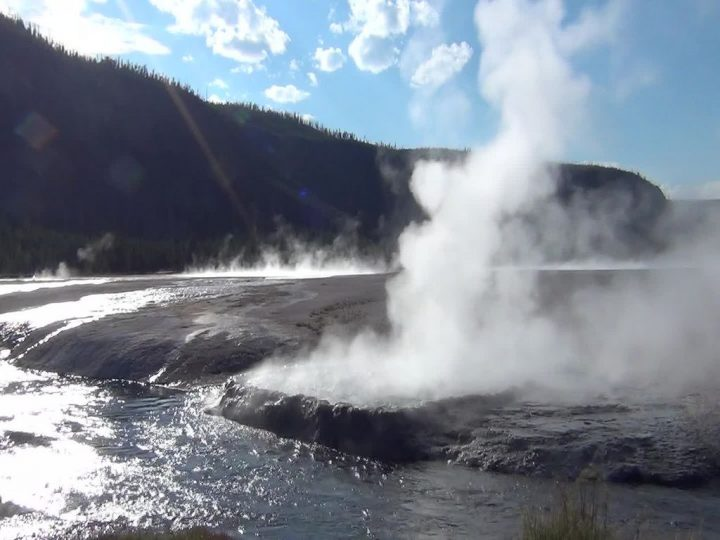 photo credit: Cliff Geyser erupting (5:36 PM on, 5 August 2013) 12 via photopin (license)