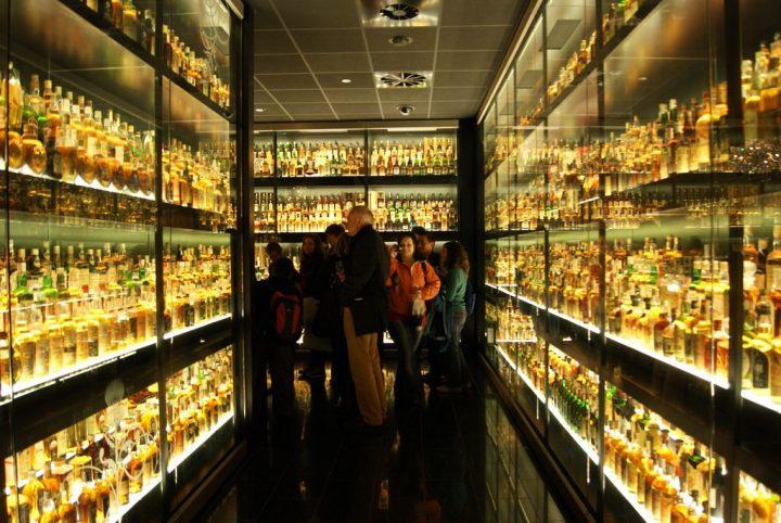 スコッチウイスキー・エクスペリエンス|エディンバラの旧市街