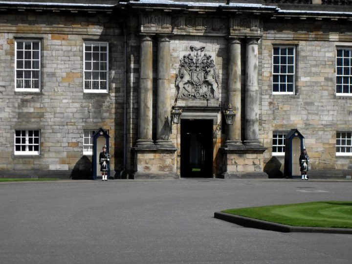 photo credit: Palace of Holyroodhouse in Edinburgh via photopin (license)