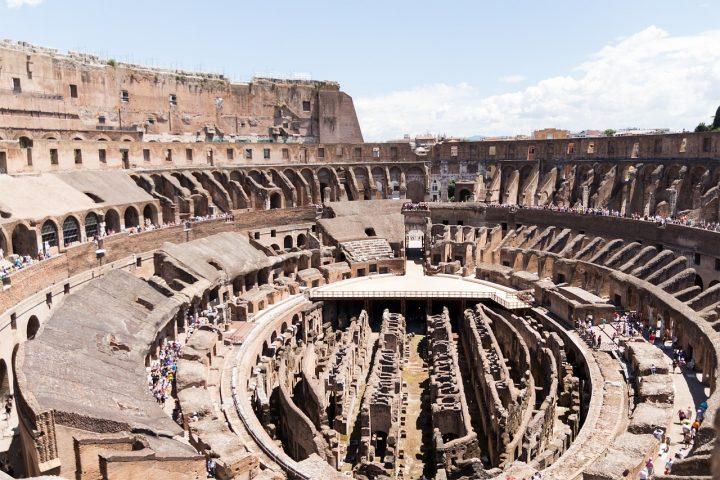 コロッセオ|ローマ歴史地区、教皇領とサン・パオロ・フオーリ・レ・ムーラ大聖堂 (2)