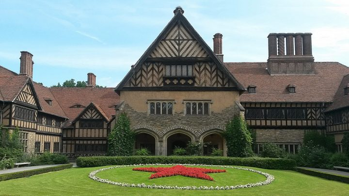 photo credit: Schloss Cecilienhof via photopin (license)