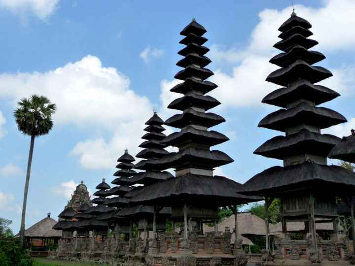 photo credit: Pura Taman Ayun, Mengwi in Bali - meru aka shrines via photopin (license)