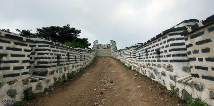 photo credit: Korea_Namhansanseong_Fortress_46 via photopin (license)