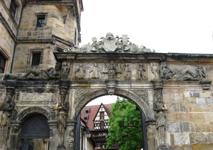 photo credit: Bamberg: Alte Hofhaltung (Schöne Pforte) via photopin (license)