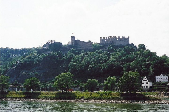 photo credit: Rheinfels Fortress, Rhine River, Germany via photopin (license)