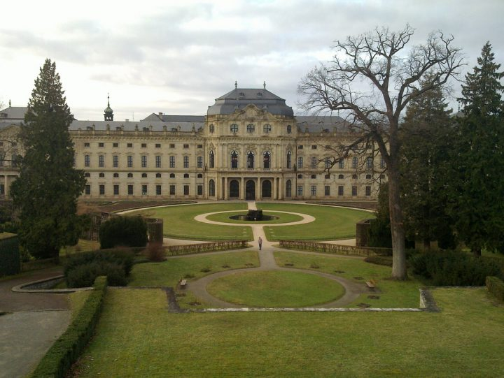 photo credit: Würzburg Residenz Garten via photopin (license)