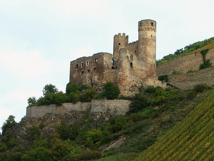 photo credit: Burg Ehrenfels via photopin (license)