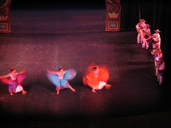 photo credit: ballet folklorico at the palacio nacional via photopin (license)