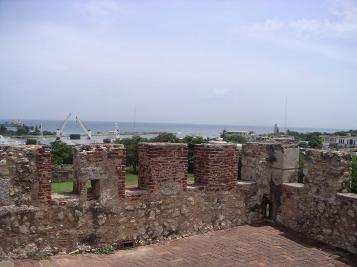 photo credit: Giro desde la fortaleza Ozama via photopin (license)