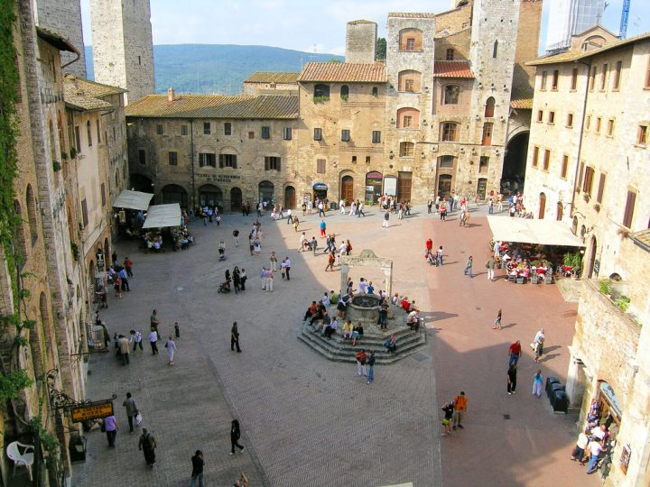 photo credit: Piazza della Cisterna, San Gimignano (II) via photopin (license)