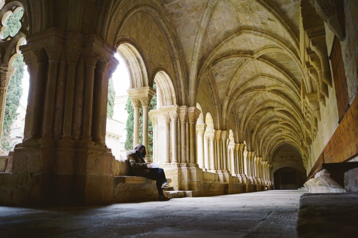 photo credit: Claustro del Monasterio de Poblet via photopin (license)
