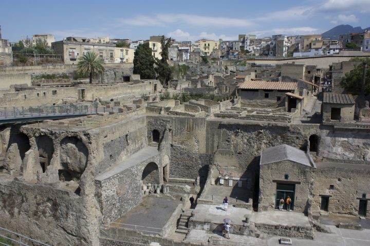 photo credit: Ruins of Herculaneum via photopin (license)