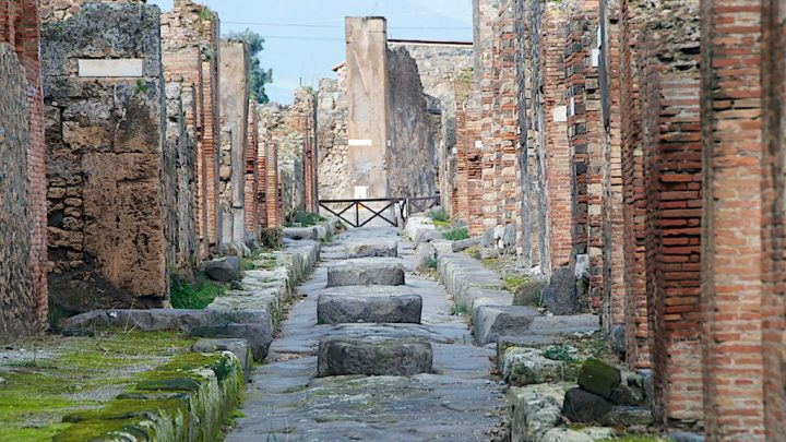 photo credit: Pompeii - Italy - 18 via photopin (license)