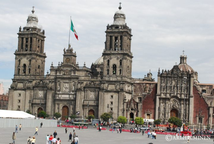 photo credit: Zocalo Mexico city via photopin (license)