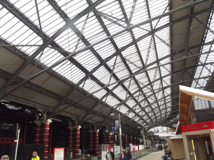 photo credit: Liverpool Lime Street Station - Virgin Trains Customer Information via photopin (license)