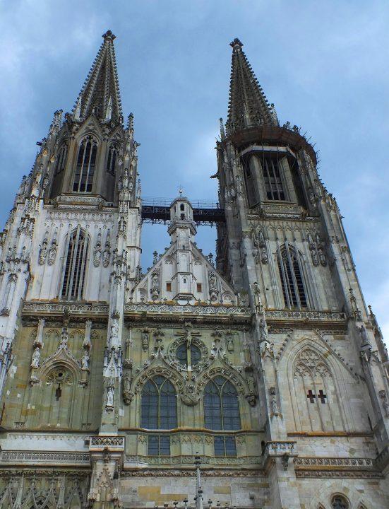 レーゲンスブルク大聖堂|レーゲンスブルクの旧市街とシュタットアムホーフ