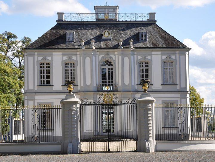 別邸ファルケンルスト|ブリュールのアウグストゥスブルク城と別邸ファルケンルスト