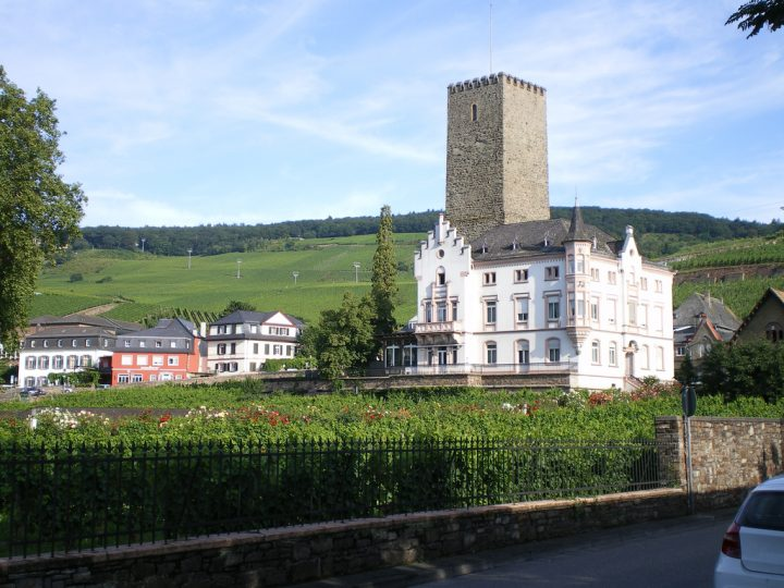 photo credit: Rudesheim Rheingau 015 via photopin (license)