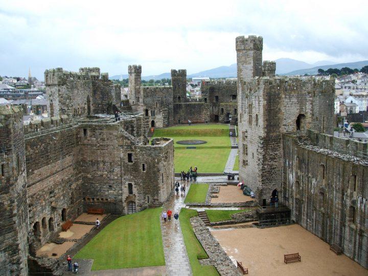 【世界遺産】カーナーヴォン城|グウィネズのエドワード1世の城郭と市壁