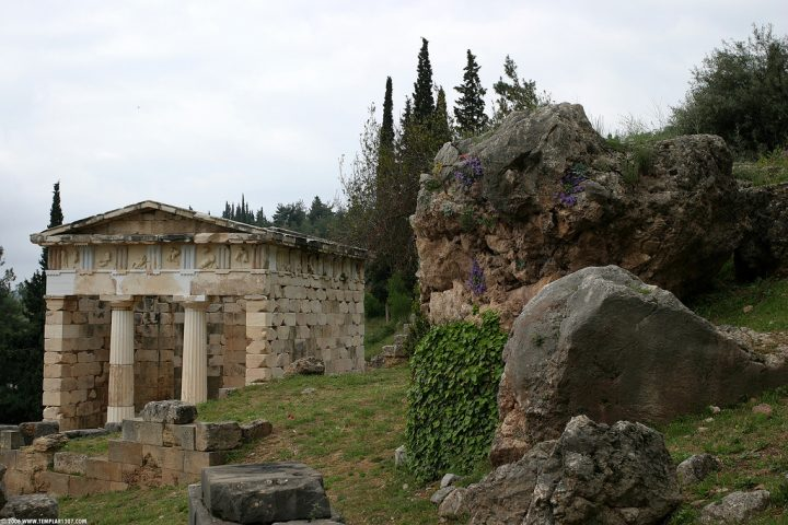 photo credit: GR06 1518 Delphi via photopin (license)