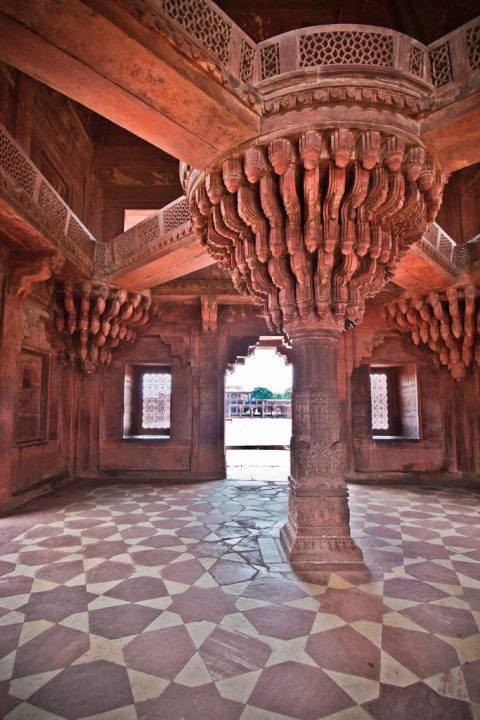 photo credit: Inde - Fatehpur Sikri - Pillier Gravé via photopin (license)