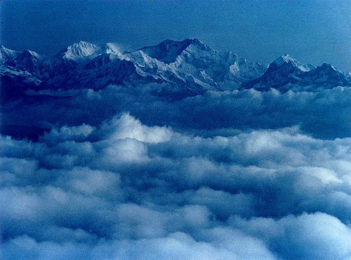 photo credit: Khangchendzonga from Darjeeling Mall via photopin (license)