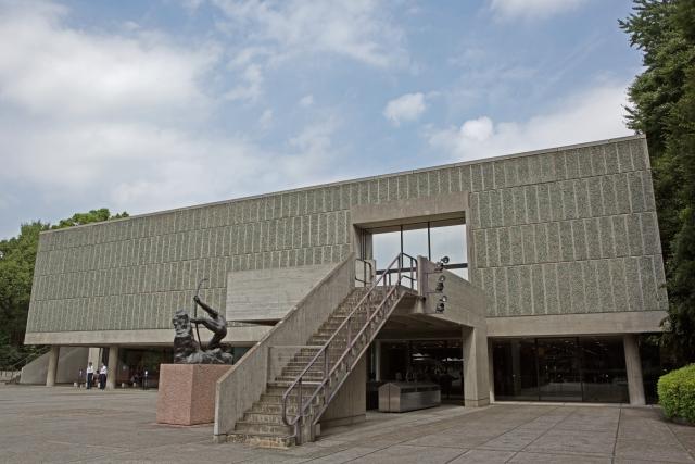 ル・コルビュジエ国立西洋美術館裏