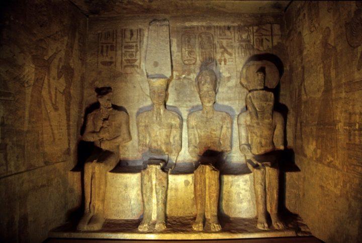 photo credit: Ägypten 1999 (136) Assuan: Im Großen Tempel von Abu Simbel via photopin (license)