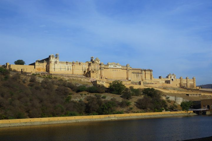 photo credit: JULIAN MASON The Amber Fort, Amer, Jaipur, Rajasthan, India - DSC03637 via photopin (license)