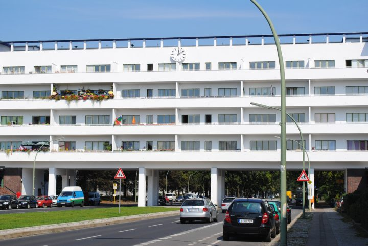 photo credit: Oh-Berlin.com Weibe Stadt White City via photopin (license)
