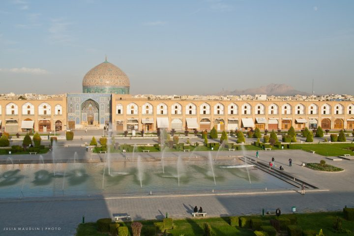 photo credit: juliamaudlin Maydan and Masjid-i Shaykh Lotfallah, Esfahan via photopin (license)