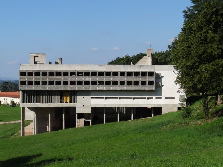 ル・コルビュジエラ・トゥーレットの修道院