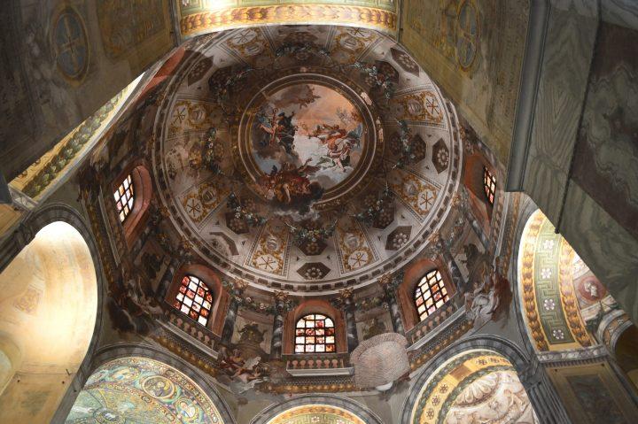 サン・ヴィターレ聖堂|ラヴェン...