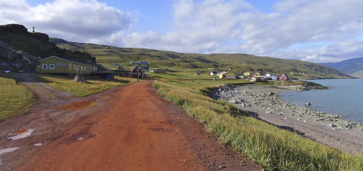クヤータ・グリーンランド:氷帽末端におけるノース人とイヌイットの農業景観