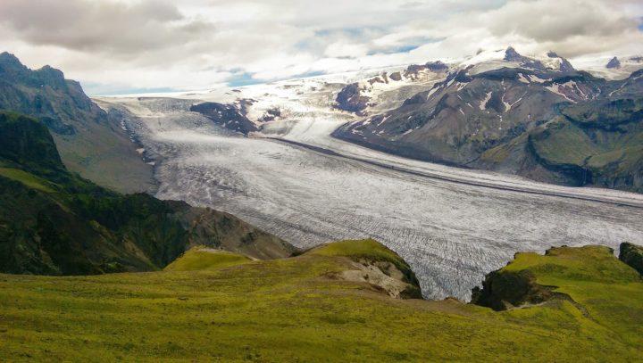 【世界遺産】ヴァトナヨークトル国立公園 – 火と氷の絶えず変化する自然